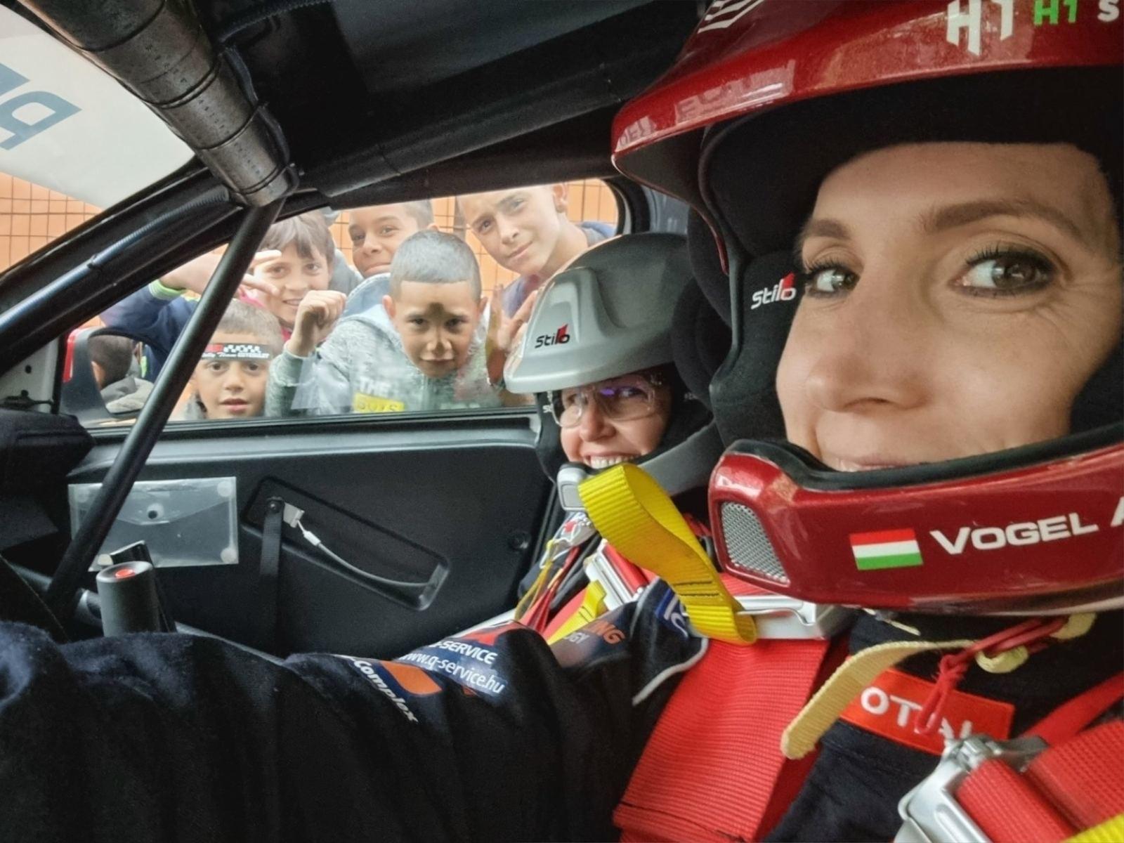 Újabb dobogó Vogel Adriéknak a Peugeot kupában